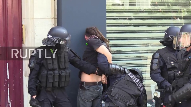 France: Police charge into Yellow Vest chaos, protester badly injured *GRAPHIC*