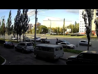 Момент ДТП (4 автомобиля) на перекрестке ул. Масленникова, ул. Куйбышева ()
