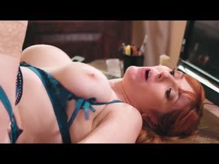Рыжая начальница трахает молодую сотрудницу, red sex milf young girl mom job ass tit porn fuck (Инцест со зрелыми мамочками 18+)
