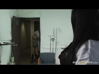Audrey Bitoni, Madison Ivy (BRAZZERS PORN VIDEO 18+)