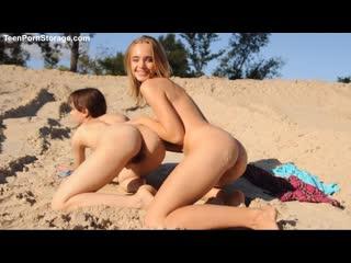 Подруги хвастаются своими телами. Лиза и дана -Lisa and Dana_ эротика, лесби, девочки красавицы, юные студентки, красиые тела