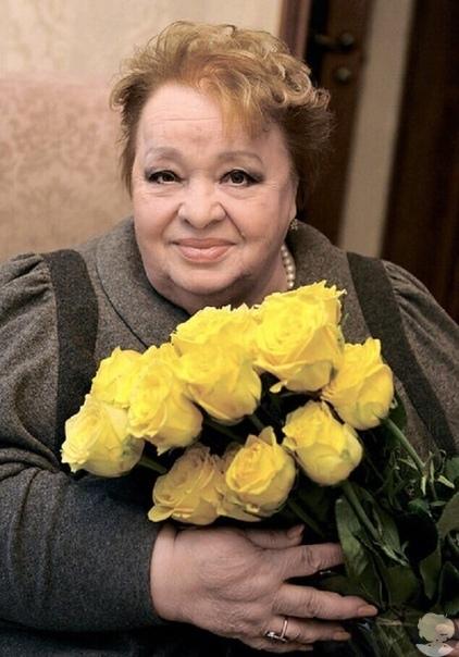Друзья Натальи Крачковской: «Перед смертью ей не хватало денег даже на лекарства» Похороны звезды советского кино состоялись более четырех лет назад. В организации процессии принимали участие