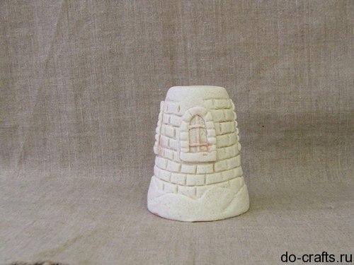 Зимний Дoмик из соленого теста Чтобы сделать домики из соленого теста вам понадобится мука, соль и вода. Из этих ингредиентов нужно приготовить соленое тесто. Для этого возьмите равное