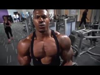 Проработка грудных мышц в одном видео