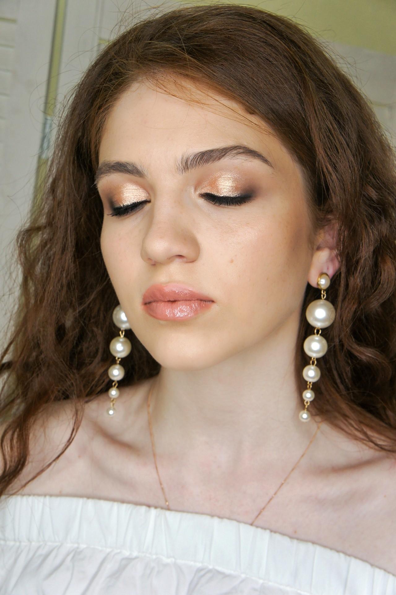 Милые девушки, записывайтесь на макияж  ❤️