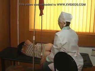 Клизма девушке в больнице перед обследованием