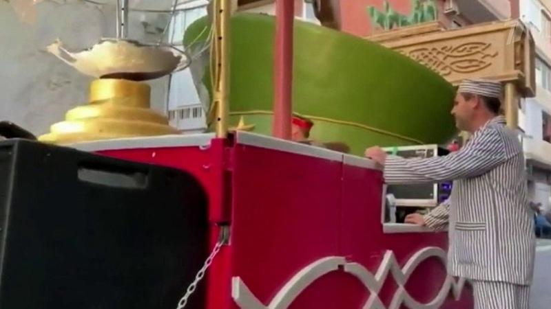 Грандиозный скандал разразился после карнавала вмаленьком испанском городке Новости Первый канал