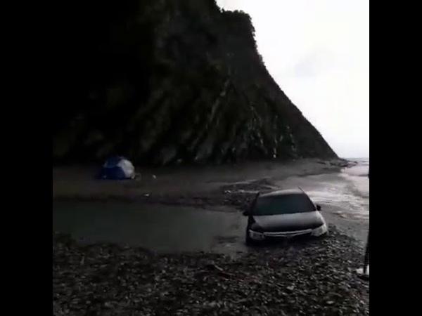 Туристы утопили Toyota Camry в День России