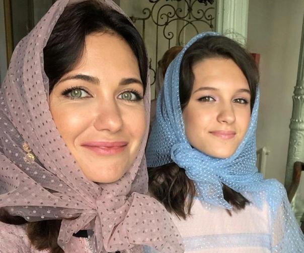 Екатерина Климова со своей 17-летней дочерью Лизой.