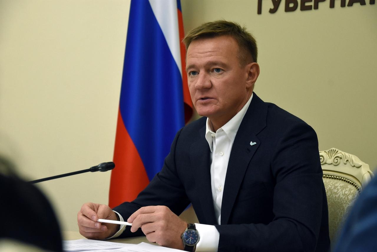 Роман Старовойт начал размещать в соцсети данные о свободных вакансиях в Курской области