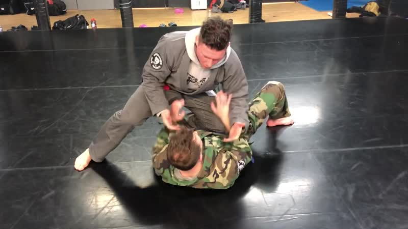 The Shin Choke from knee on belly