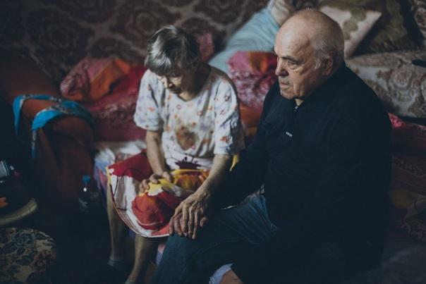 Его девочки Борис Иванович родился в 1942 году в Твери. Через полгода его отец погиб на войне. Он окончил школу, служил в воздушно-десантных войсках, потом всю жизнь работал слесарем-бригадиром