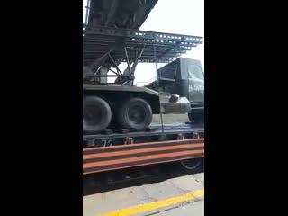 Зеленодольск проехал поезд Победы, он направляется в Казань.