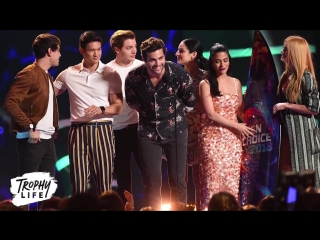 Shadowhunters Cast PRAISES Fans During 2018 Teen Choice Awards Speech