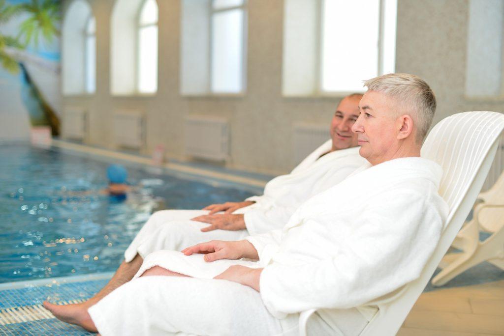 В санатории должен быть бассейн