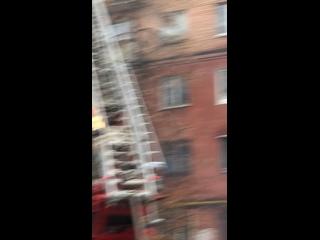В Самаре горит дом на улице Нова-Садовая...