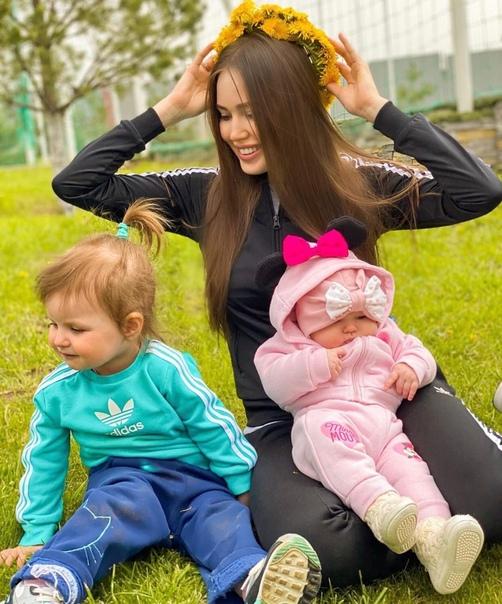 Анастасия Костенко прокомментировала свое отношение к старшей дочери Дмитрия Тарасова: