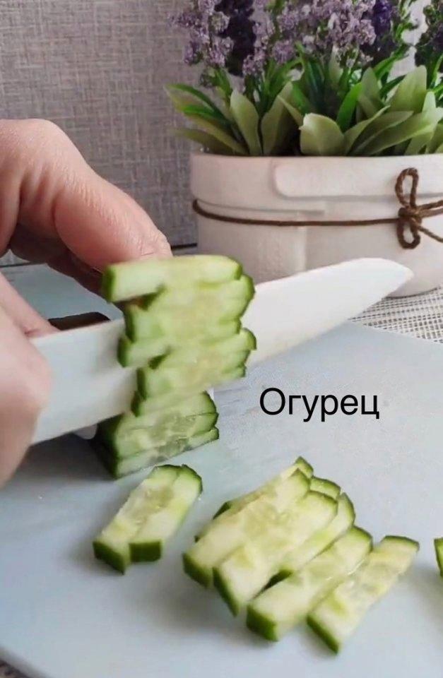 Я ничего вкуснее, полезнее и сытнее давно не ела, этот салат восхитительный, прям нереальное удовольствие  Пробовали такой салат?