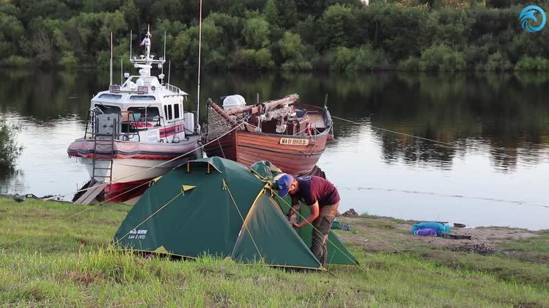Экипаж шхуны Онежская жемчужина пристал к берегу реки Сухона