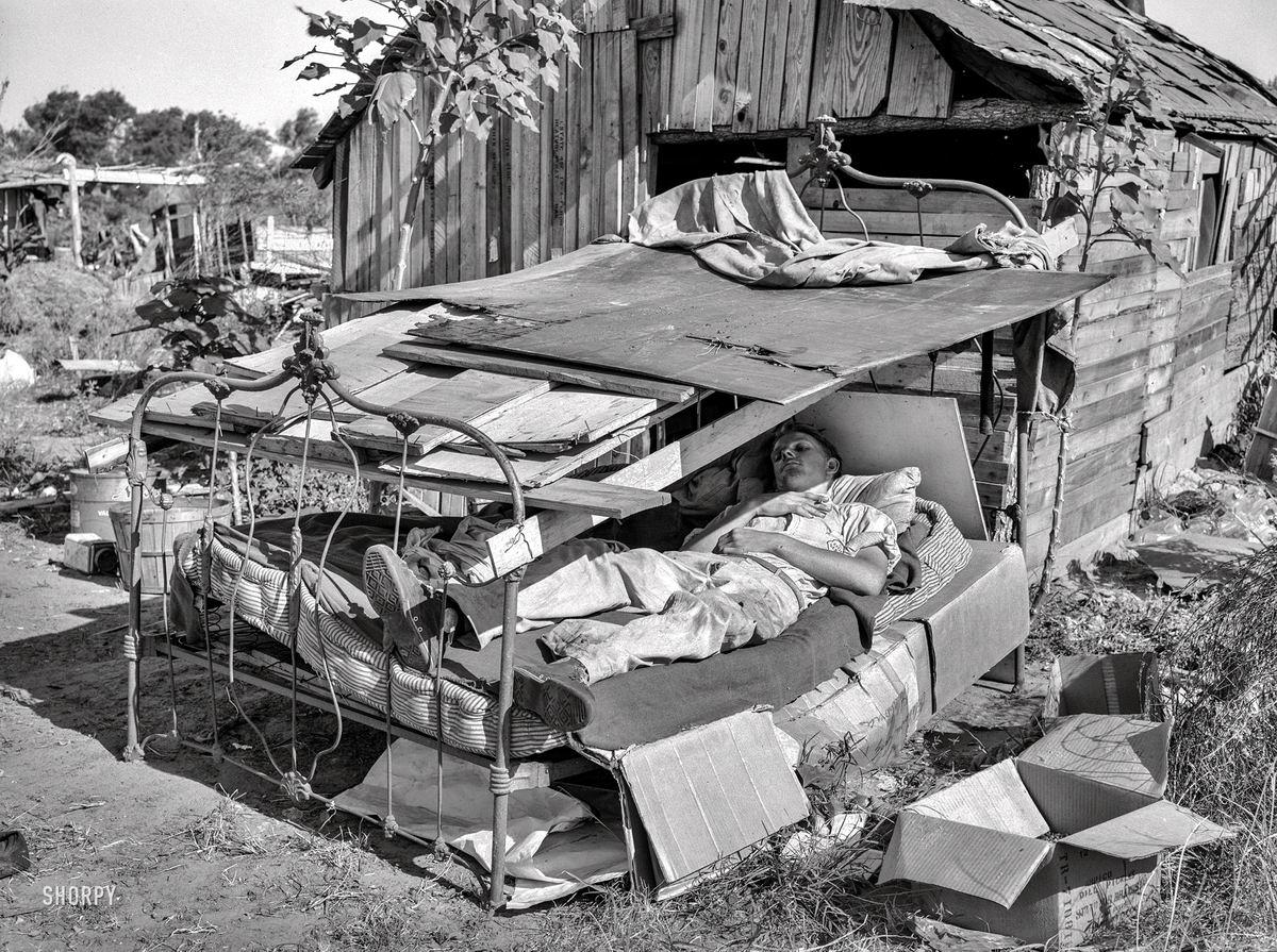Привет с большого бодуна: Летний отдых на загородном участке (1939 год)