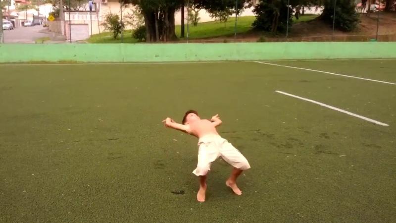 El Niño Capoeira / The Capoeira Kid