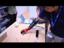 Рука роботов может использоваться в качестве протеза, обеспечивает механизм обратной связи, чтобы предоставить оператору чувство