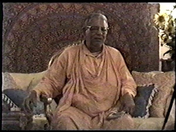 Srila Govinda Maharaj Italy 990819