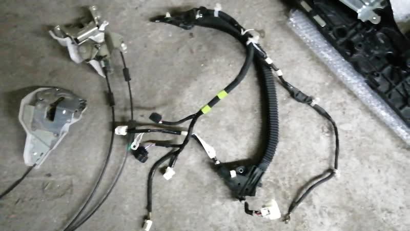 Установка доводчиков и электропривода дверей Toyota Voxy 8x Необходимое железо